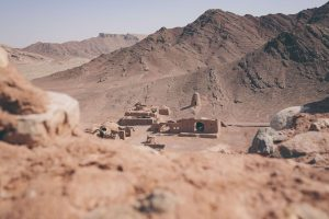 iranian ruins in desert