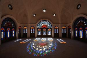 kashan inside