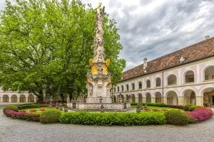 abbey of the holy cross hungary